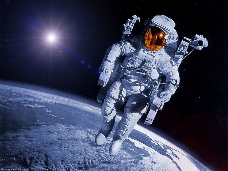 Astronaut_in_space